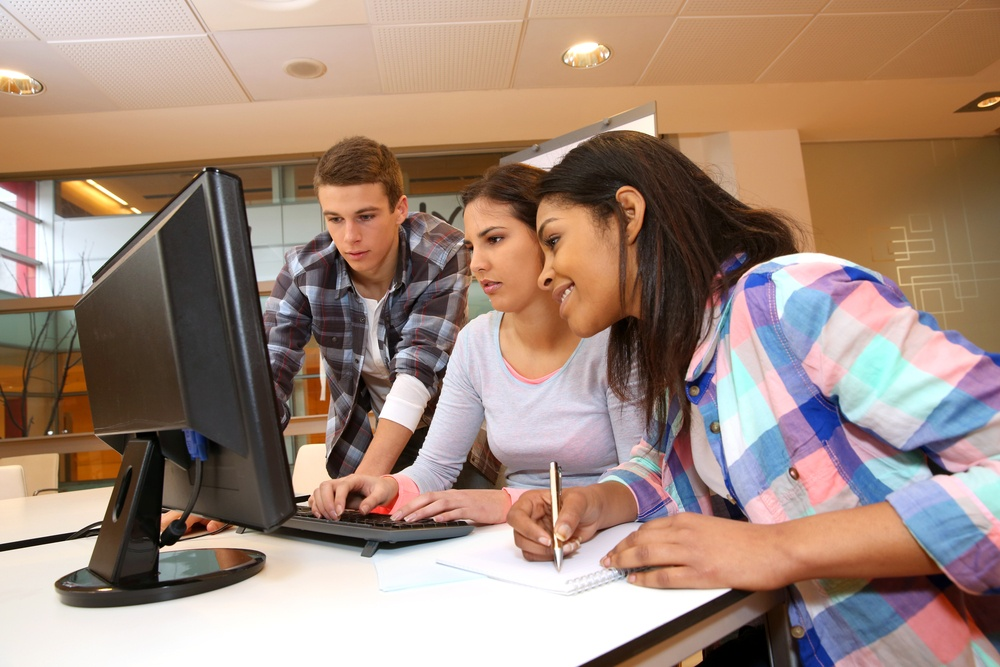 Group of students working in computer lab.jpeg